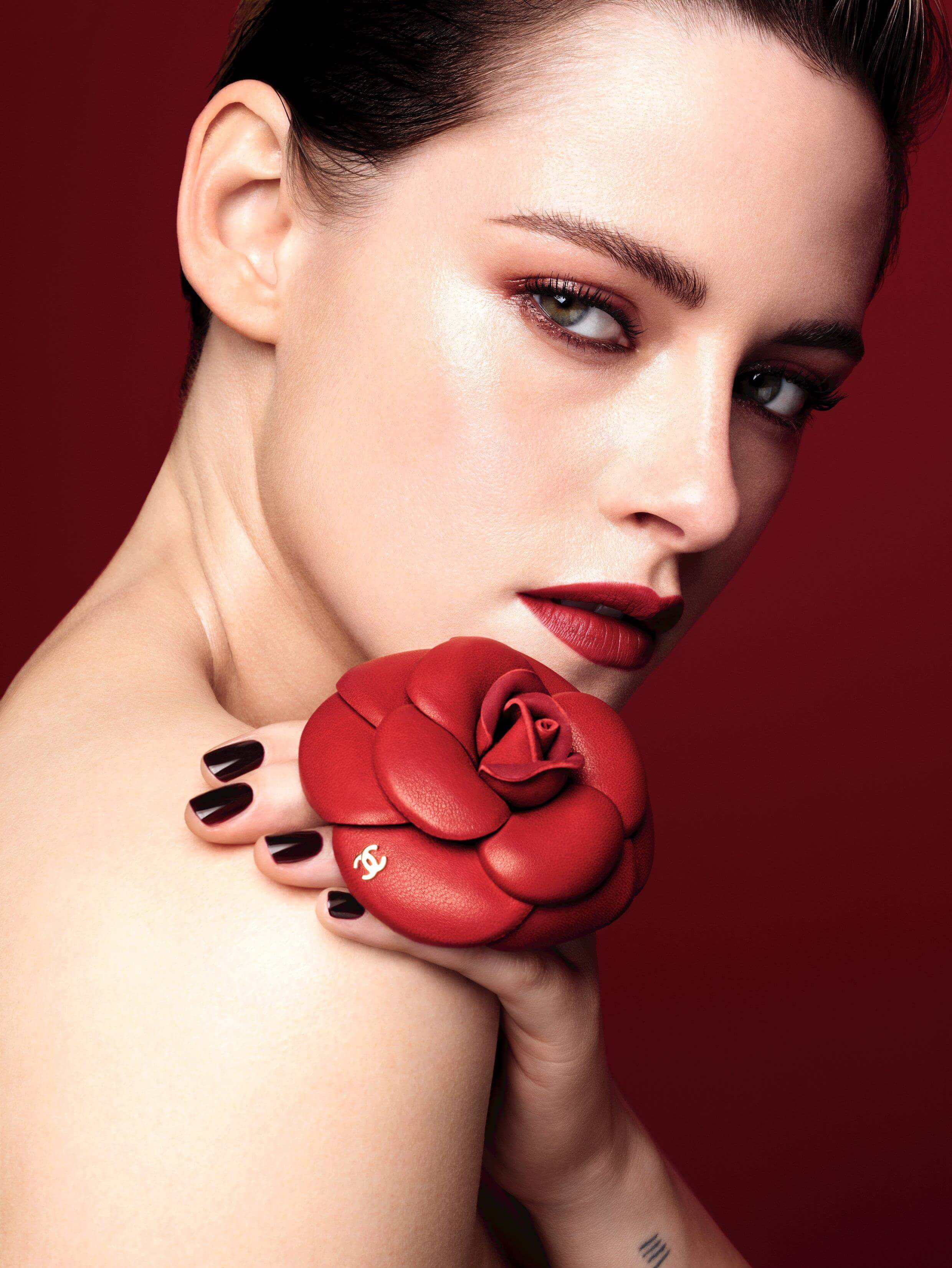 Kristen Stewart Poses For Chanel Rouge Allure Camelia 2020 Spring Campaign Kristen Stewart Daily