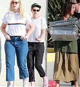 Kristen_Stewart_-_Out_in_West_Hollywood_on_October_19-31.jpg
