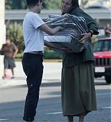 Kristen_Stewart_-_Out_in_West_Hollywood_on_October_19-35.jpg